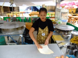 Roti (Thai pancake) making