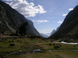 A pretty valley, Santa Cruz trek, Peru