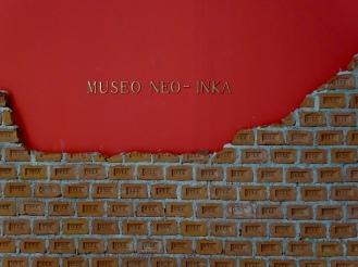 Miraflores gallery art - wall made of 'Inka bricks'